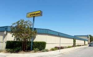 Golden State Storage - Santa Clarita - 26825 Oak Ave