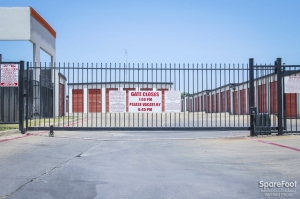 Image of Alamo Self Storage - Dependable Facility on 2855 Fort Worth Ave  in Dallas, TX - View 3