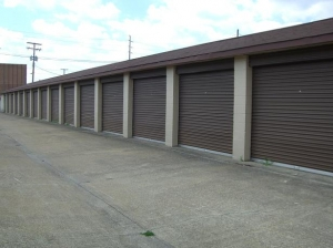 Image of Redi Storage - Maple Heights Facility on 17101 Rockside Rd  in Maple Heights, OH - View 3