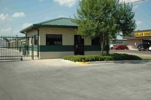 Storage Depot - Brownsville - Morningside - Photo 1