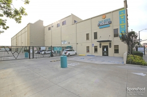 Saf Keep Self Storage - Los Angeles - Melrose Avenue