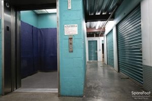 Saf Keep Storage - Los Angeles - Melrose Avenue - Photo 6