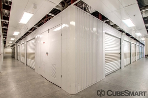 CubeSmart Self Storage - Orlando - 1015 N Apopka Vineland Rd - Photo 16