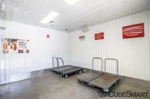 CubeSmart Self Storage - Orlando - 1015 N Apopka Vineland Rd - Photo 17