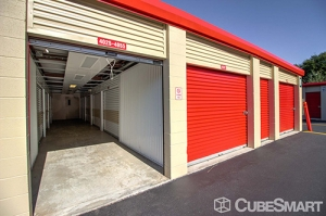 CubeSmart Self Storage - Orlando - 1015 N Apopka Vineland Rd - Photo 21