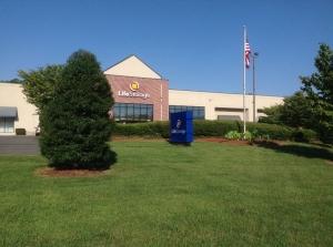 Image of Life Storage - Charlotte - Wallace Lane Facility at 7209 Wallace Ln  Charlotte, NC