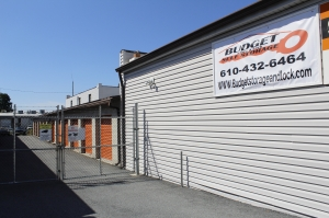 Budget Store and Lock-1014 N Quebec St - Photo 1