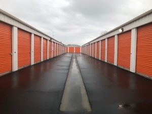 Security Self Storage - Parking, Standard and Climate Controlled Units - Photo 4