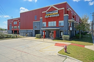 StorageMart - San Pedro & W Olmos