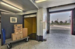 Image of StorageMart - Mandela Pkwy & I-580 Facility on 2450 Mandela Pkwy  in Oakland, CA - View 2