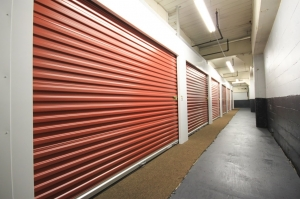 Image of StorageMart - Mandela Pkwy & I-580 Facility on 2450 Mandela Pkwy  in Oakland, CA - View 4
