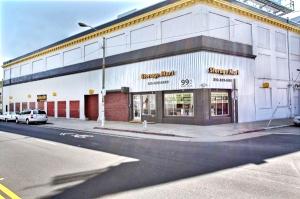 StorageMart - Market & San Pablo