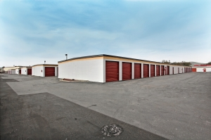 StorageMart - Airbase Pkwy & Walters - Photo 3
