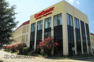 CubeSmart Self Storage - Houston - 8252 Westheimer Rd - Photo 4
