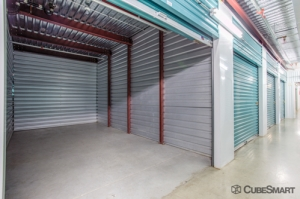 CubeSmart Self Storage - Houston - 8252 Westheimer Rd - Photo 9