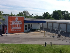 A Storage Inn - O'Fallon Facility at  1410 Frontage Rd, Ofallon, IL