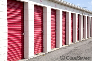CubeSmart Self Storage - Denver - 2125 S Valentia St - Photo 10