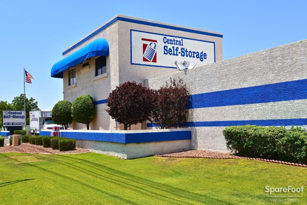 Facility photo: //images.sparefoot.com/medium/10471755b0069eadcf0.jpg