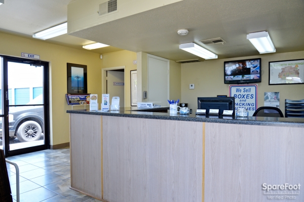 Facility photo: //images.sparefoot.com/medium/10471755b006a8ed366.jpg