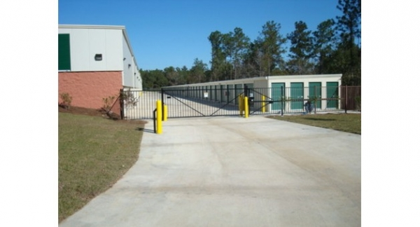 Facility photo: //images.sparefoot.com/medium/15658456ba45291cb04.jpg