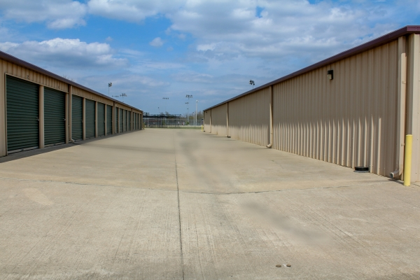 Facility photo: //images.sparefoot.com/medium/202025591a03c64055e.jpg