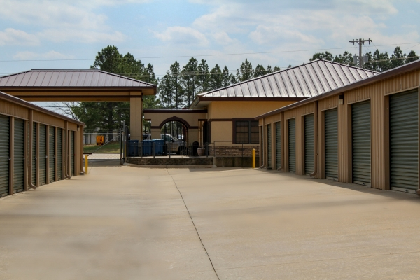 Facility photo: //images.sparefoot.com/medium/202025591a04e53daca.jpg