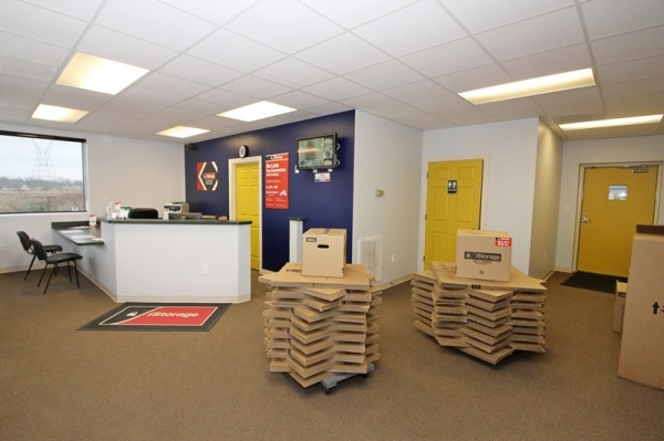 Facility photo: //images.sparefoot.com/medium/2095195cf7fbcd736e1.jpg