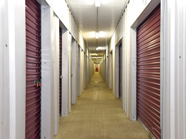Facility photo: //images.sparefoot.com/medium/2154995e43076894745.png