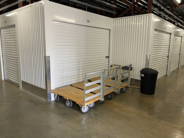 Facility photo: //images.sparefoot.com/medium/2175045efcf8e8cf5bf.jpg