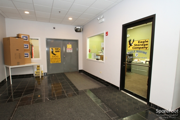 Facility photo: //images.sparefoot.com/medium/697835457bbaf7831f.jpg
