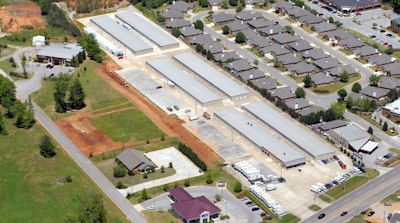 Facility photo: //images.sparefoot.com/medium/700564dadcd5852a35.jpg