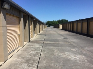 Image of Life Storage - Deer Park - Center Street Facility on 3321 Center Street  in Deer Park, TX - View 3