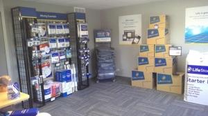 Image of Life Storage - Piscataway Facility at 500 Stelton Rd  Piscataway, NJ