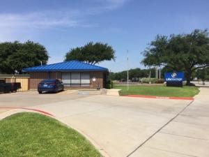 Image of Life Storage - Arlington - East Lamar Boulevard Facility on 1620 E Lamar Blvd  in Arlington, TX - View 4