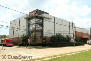 Image of CubeSmart Self Storage - Houston - 1019 W Dallas St Facility on 1019 W Dallas St  in Houston, TX - View 4