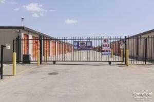 Image of Macho Self Storage - Dallas Facility on 1750 W Northwest Hwy  in Dallas, TX - View 3