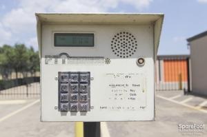 Image of Macho Self Storage - Dallas Facility on 1750 W Northwest Hwy  in Dallas, TX - View 4