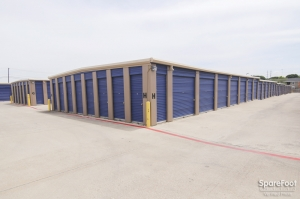 Cheap Storage Units At Macho Self Storage Irving In