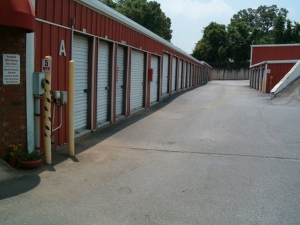 Image of Avondale Mini Storage Facility on 3111 Church St  in Scottdale, GA - View 3