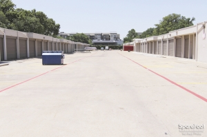 Image of Love Field Storage Facility on 2339 Inwood Rd  in Dallas, TX - View 4