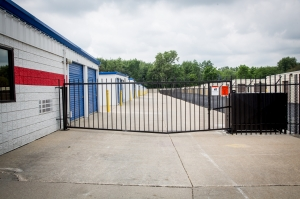 Image of National Storage Centers - Westland on Newburgh Road Facility on 1638 South Newburgh Road  in Westland, MI - View 4