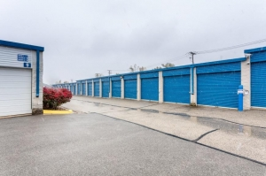 Image of Life Storage - Schaumburg Facility on 1401 N Plum Grove Rd  in Schaumburg, IL - View 3
