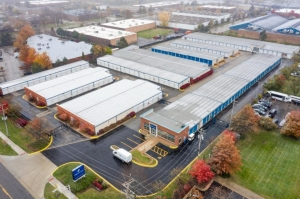 Image of Life Storage - Schaumburg Facility on 1401 N Plum Grove Rd  in Schaumburg, IL - View 4