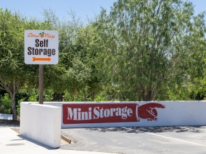 Image of Citrus Plaza Self Storage Facility on 202 W College St  in Fallbrook, CA - View 4