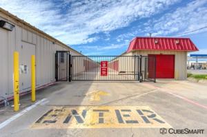 Image of CubeSmart Self Storage - Saginaw - 419 N Saginaw Blvd Facility on 419 N Saginaw Blvd  in Saginaw, TX - View 3