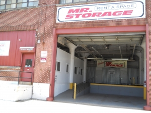 Image of Mr. Storage - Olney Facility on 5440 N 6th St  in Philadelphia, PA - View 4
