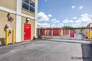 CubeSmart Self Storage - West Hempstead - Photo 4