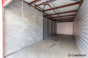CubeSmart Self Storage - West Hempstead - Photo 6