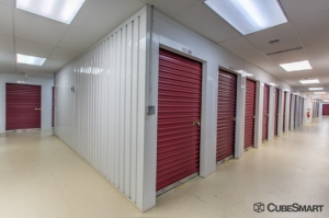 Image of CubeSmart Self Storage - Somerset - 1100 Easton Ave Facility on 1100 Easton Ave  in Somerset, NJ - View 4