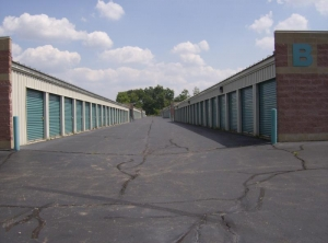 Image of Aardvark Self Storage - Wixom Facility on 30320 Beck Rd  in Wixom, MI - View 4